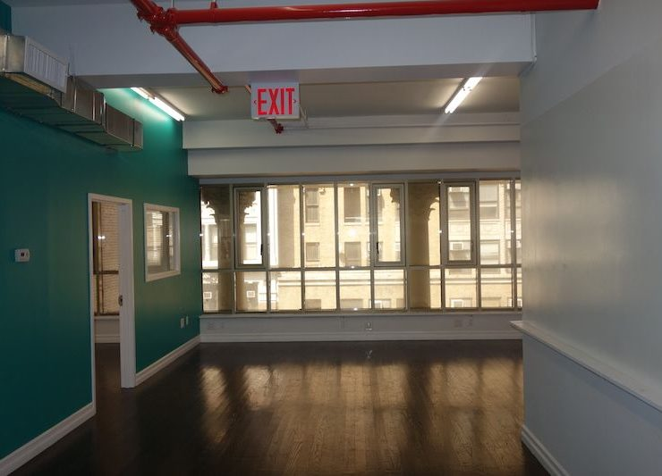 260-266 W. 36th Street: Modern Full Floor Office Loft