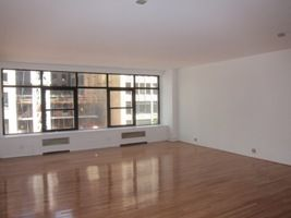303 5th Avenue – Low Loss Factor, Full Floor, Central Air & Wood Floors